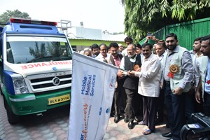 Delhi Chief Minister Arvind Kejriwal launches Aster Volunteers Mobile Medical Service