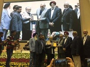 Human Welfare Foundation wins 'Excellent NGO' award of Delhi Minorities Commission